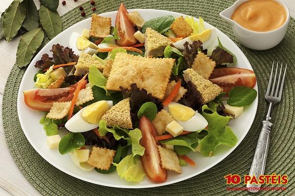 salada-frango-empanado