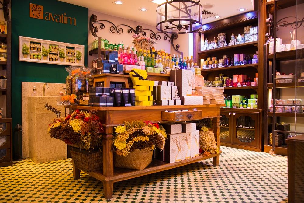 Loja que combina diferentes fragrâncias brasileiras inaugura unidade em Curitiba