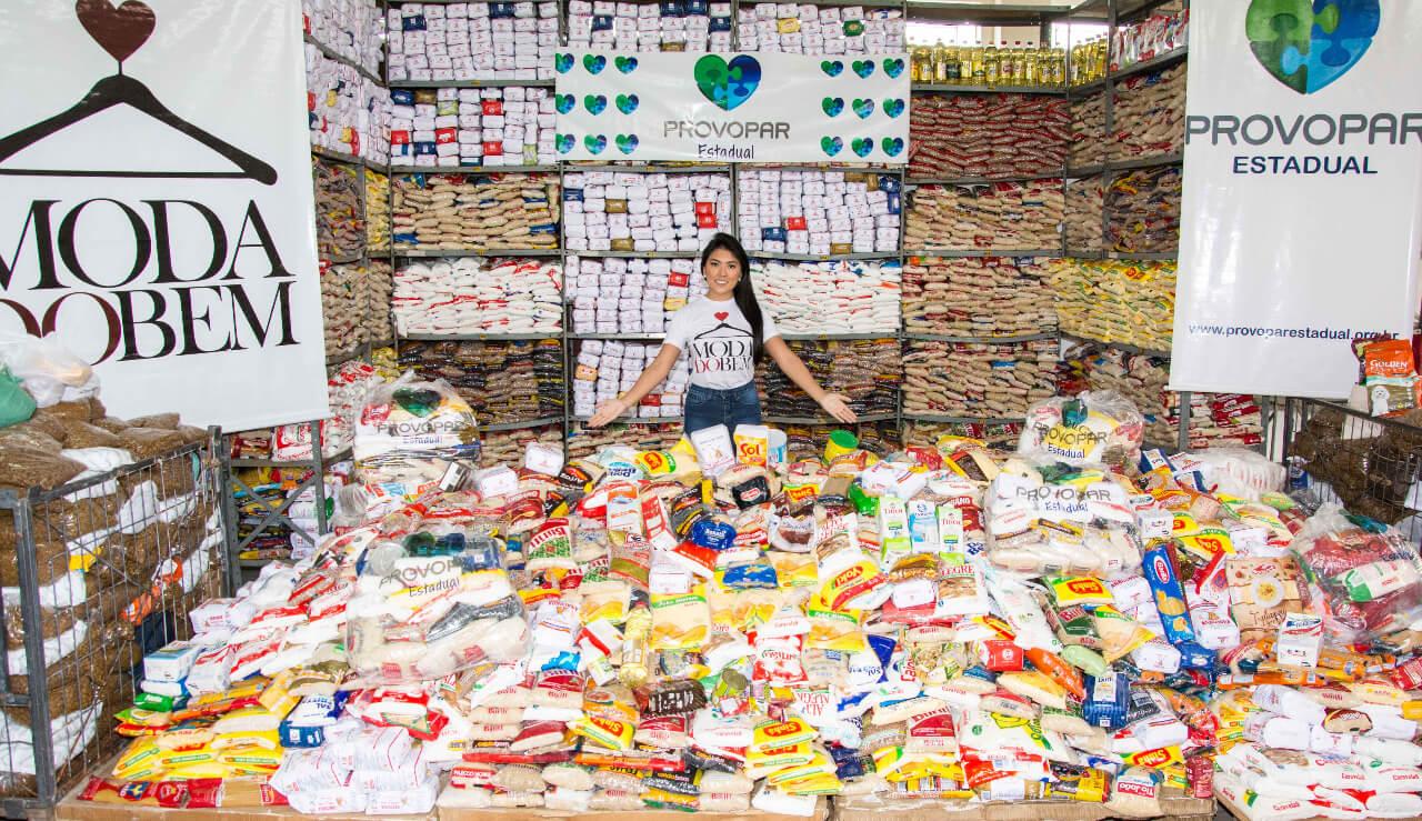 Alimentos arrecadados no Bazar Moda do Bem (1)