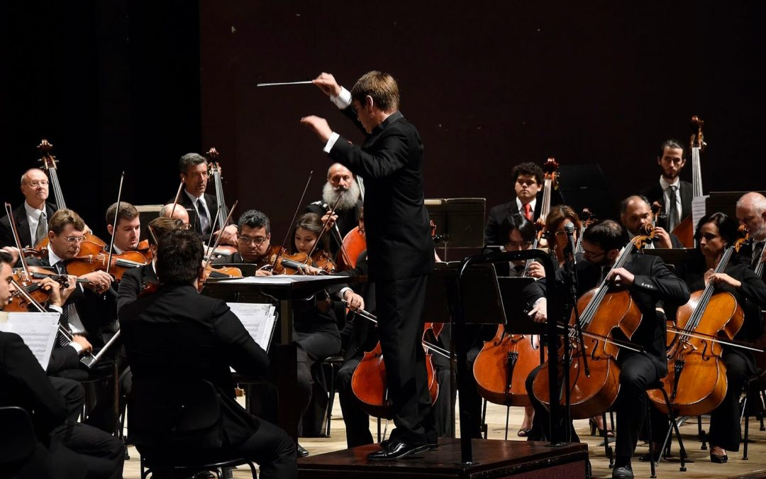 Orquestra Sinfônica do Paraná apresenta filme-concerto com obra de Chaplin