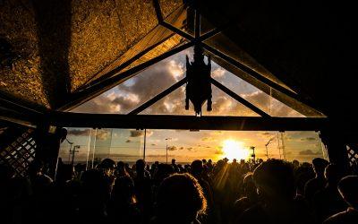 Warung Beach Club terá dupla de DJs ucranianas e time de artistas nacionais