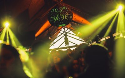 DJs Patrice Bäumel, LouLou Players e Cuartero comandam pick-ups do Warung Beach Club
