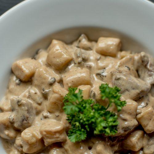Gnocchi Funghe & Panna_GastroNight +55 Bar