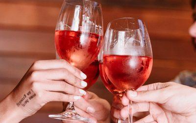 Bar oferece Open Wine na véspera de feriado