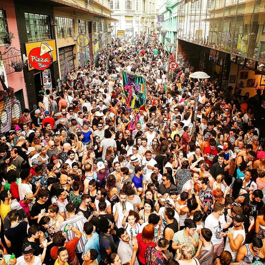 Carnaval Rua São Francisco crédito Julio Pereira