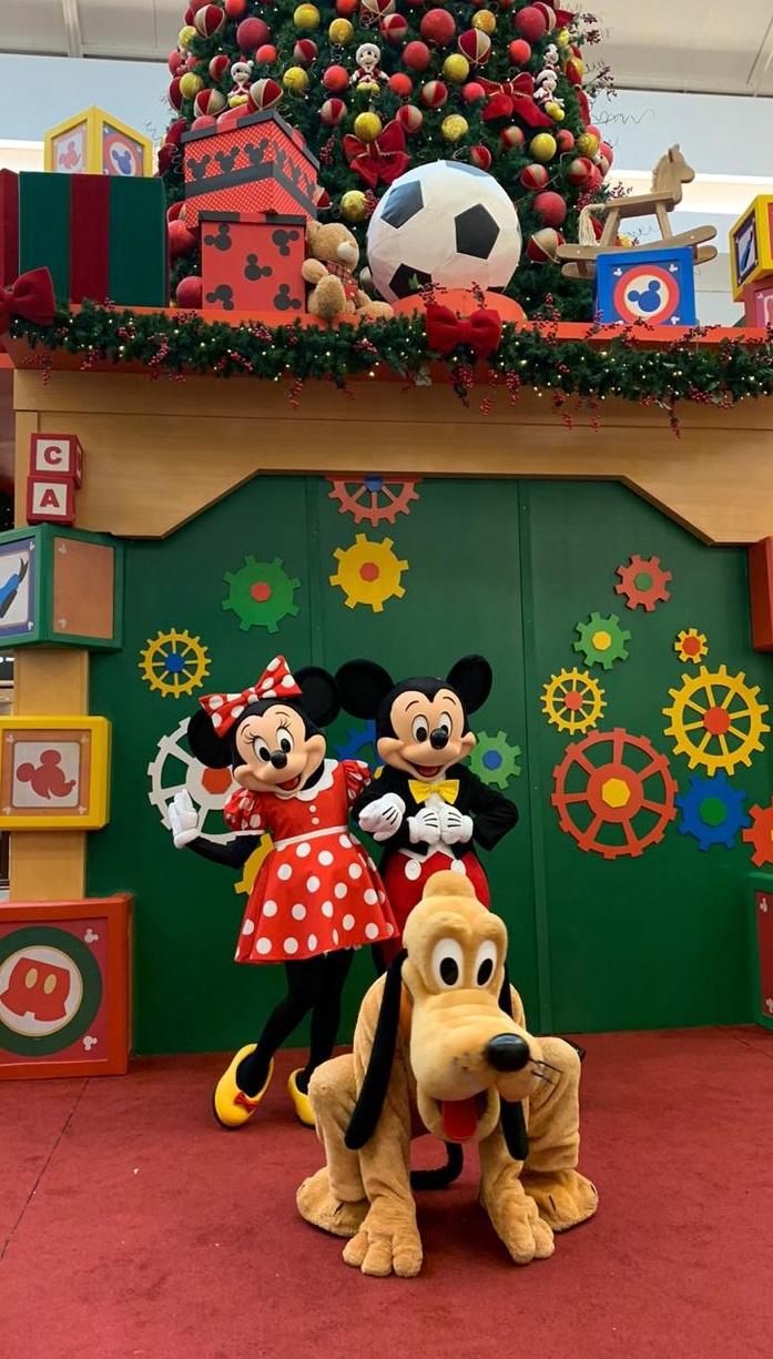 Encontro com o Mickey e seus amigos