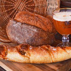 Paes e cervejas da Bodebrown