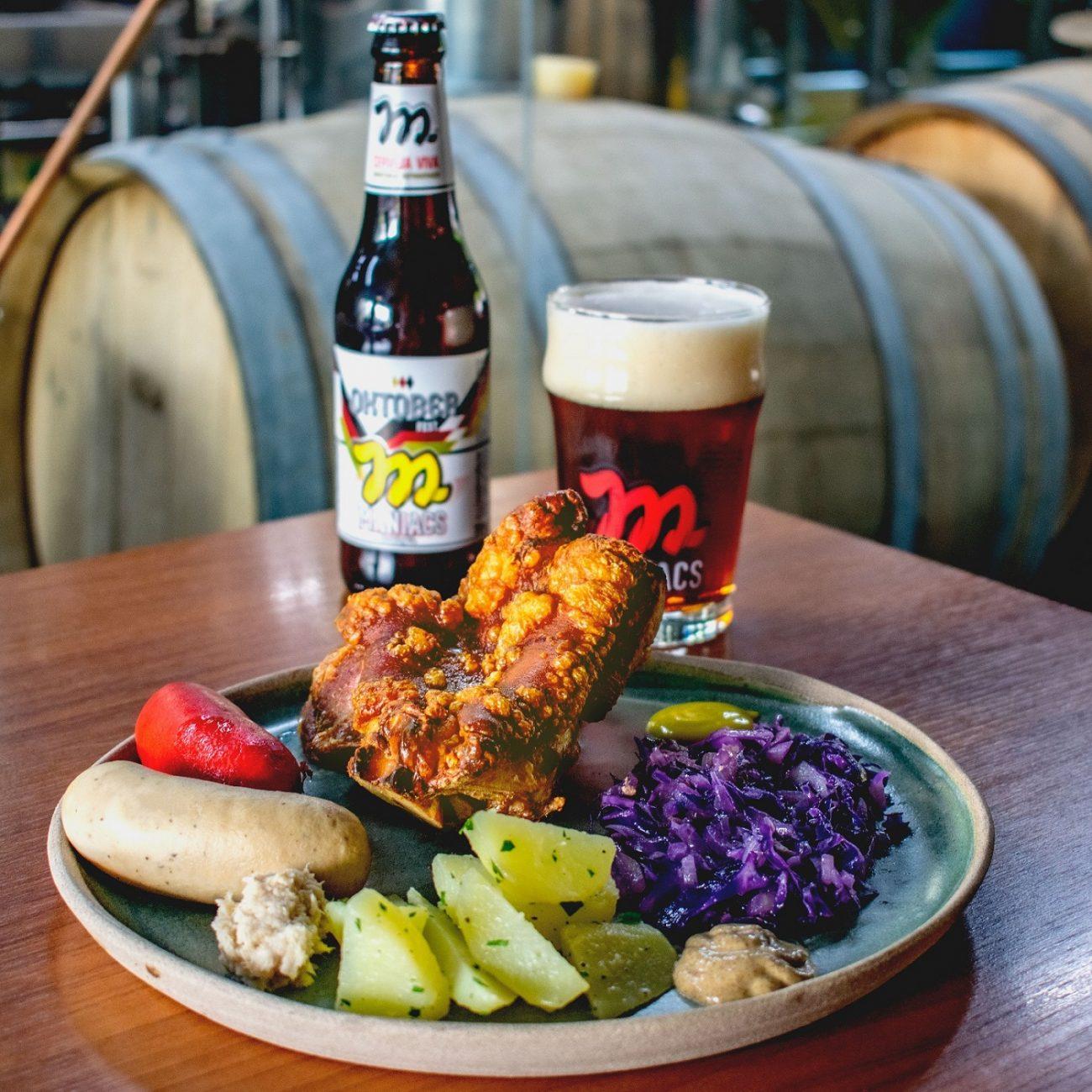 Oktoberfest no almoço: Bar da Maniacs realiza almoço especial com comida típica