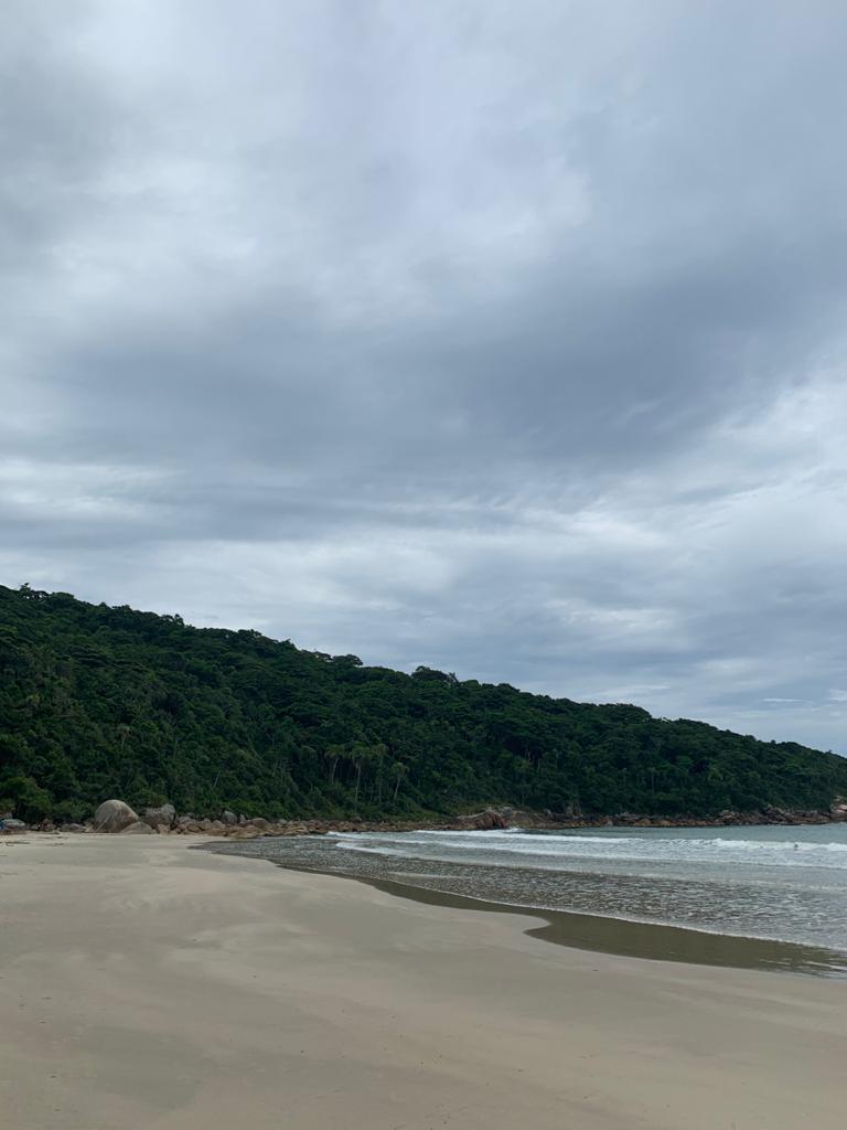 Praia do Sissial em Governador Celso Ramos