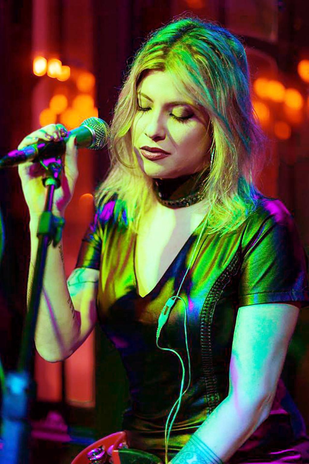 Foto: A cantora Samy Savtchen do Dose in Blues - Alessandro Reis/Divulgação