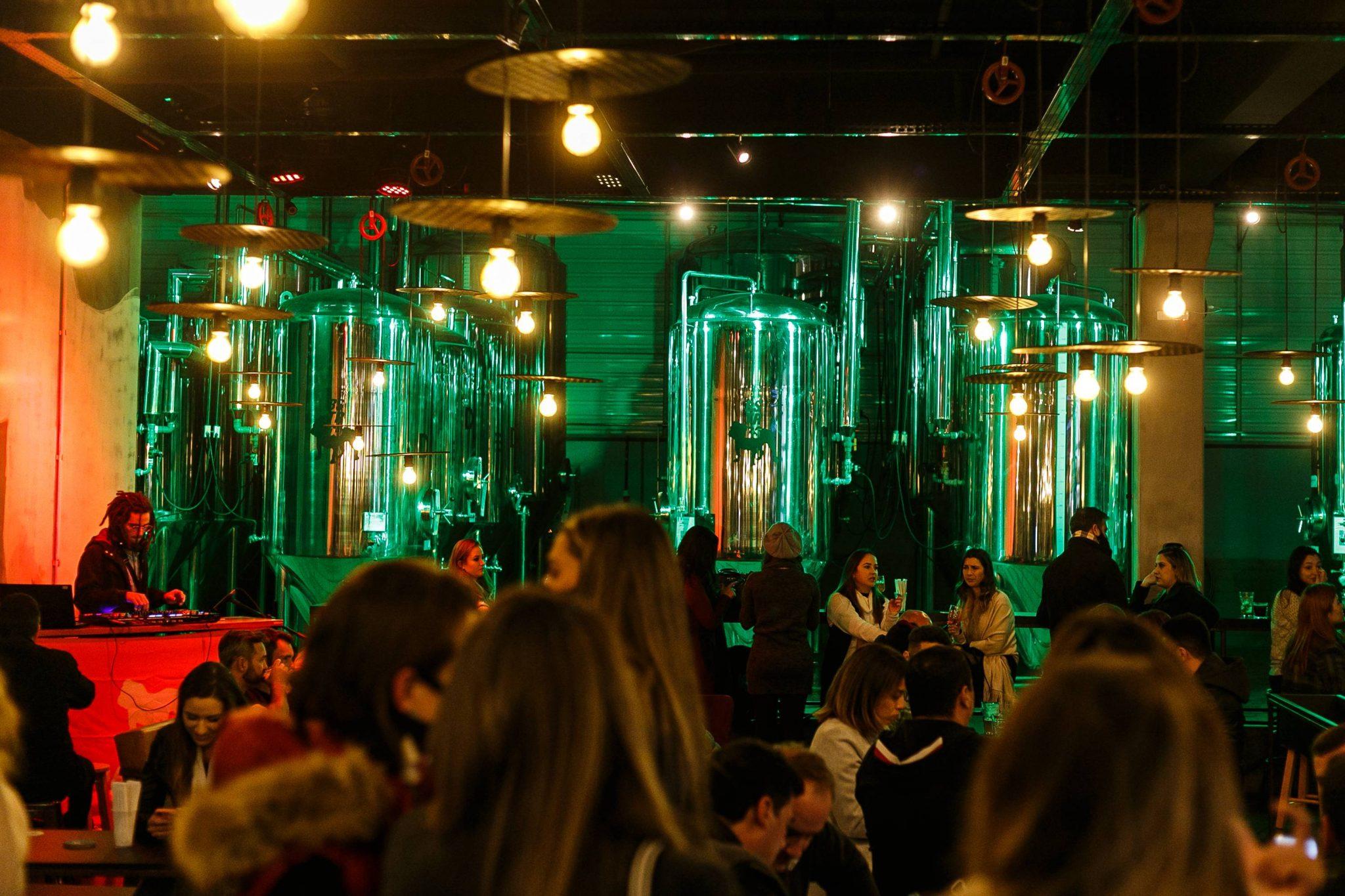 Bastards Brewery compreende bar e fábrica em um único lugar - Cred Iuri Poletti